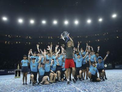 Alexander Zverev sa raduje z triumfu