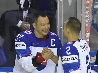 Andrej Sekera gratuluje lúčiacemu