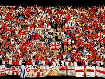 Anglickí futbaloví fanúšikovia