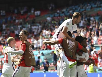 Raheem Sterling oslavuje gól do siete Chorvátska