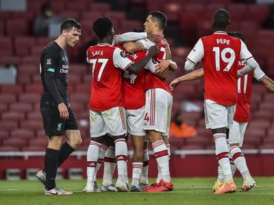 Hráči Arsenalu oslavujú víťazstvo