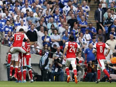 Hráči Arsenalu sa tešia