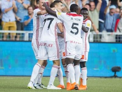 Na snímke gólová radosť hráčov Trenčína v prvom zápase 3. predkola Európskej ligy UEFA vo futbale  AS Trenčín - Feyenoord Rotterdam