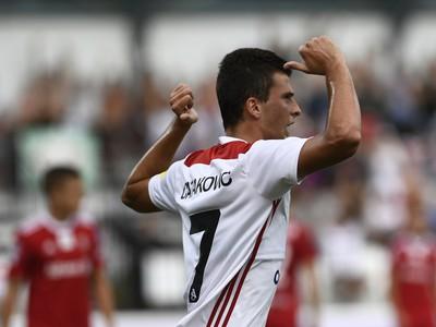 Na snímke bosniansky útočník Hamza Čatakovič (AS) oslavuje svoj gól