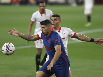Luis Suárez a Diego Carlos