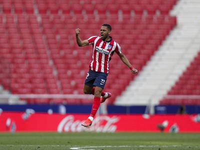 Renan Lodi oslavuje gól Atlética