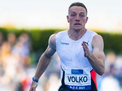Slovenský šprintér Ján Volko vo finále behu na 100 m na atletickom mítingu P-T-S v Šamoríne