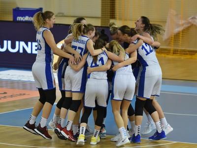 Postupové oslavy basketbalistiek Slovenska