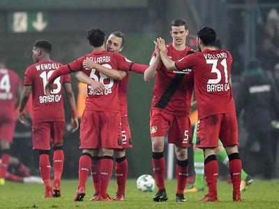 Radosť hráčov Bayeru Leverkusen