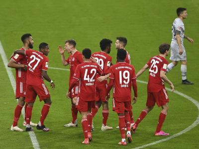 Hráči Bayernu Mníchov oslavujú gól