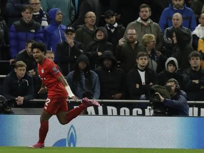 Až štyrmi gólmi sa na víťazstve Bayernu podieľal Serge Gnabry.