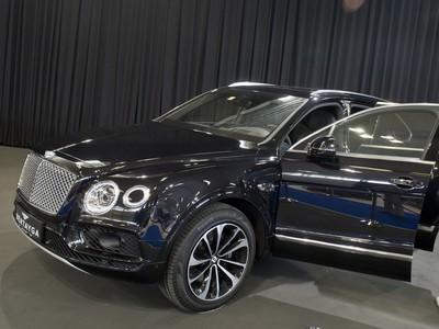 Na snímke SUV Bentley Bentayga
