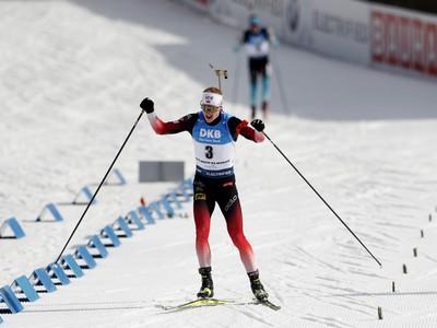 Johannes Thingnes Bö víťazom
