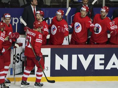 Ruskí hráči oslavujú gól
