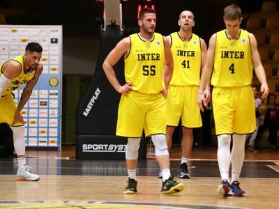 Sklamaní hráči BK Inter - trojica Kozlík, Baťka a Ihring
