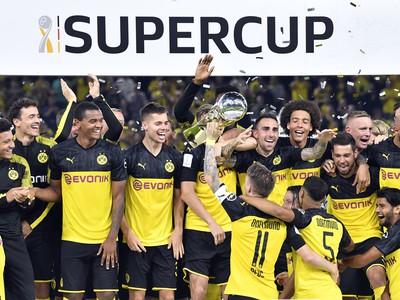 Sancho gólom a asistenciou zariadil triumf Dortmundu v Superpohári