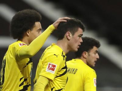 Hráči Borussie sa radujú z gólu