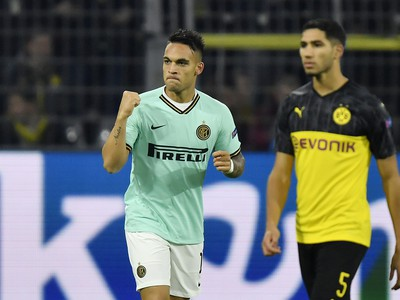 Lautaro Martinez oslavuje gól