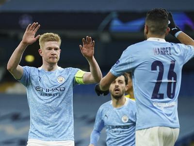 Kevin De Bruyne (vľavo) oslavuje úvodný gól do bránky Dortmundu