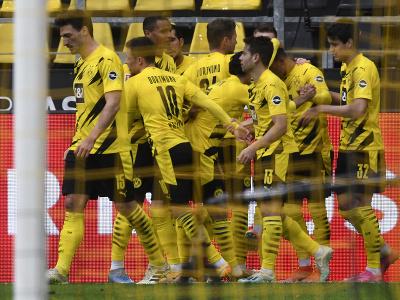 Hráči Dortmundu oslavujú gól