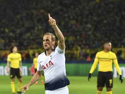 Harry Kane oslavuje gól