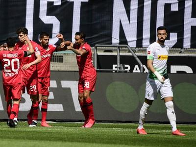 Gólová oslava hráčov Leverkusenu