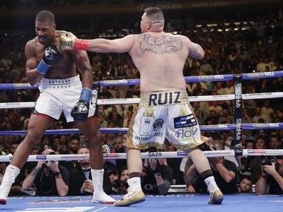 Ruiz prekvapujúco knokautoval Joshuu