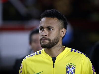 Neymar v drese brazílskeho