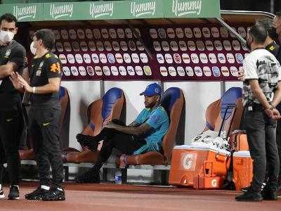 Neymar na lavičke Brazílie
