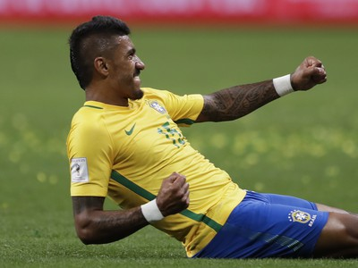 Paulinho otvoril skóre duelu