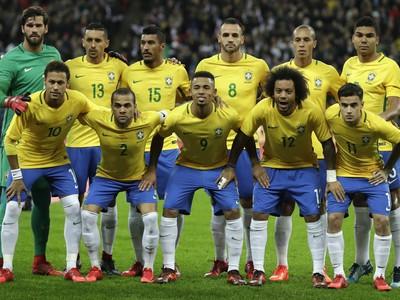 Hráči Brazílie pred zápasom s Rakúskom