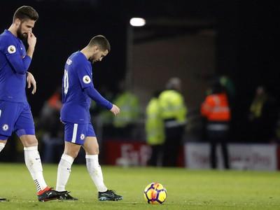 Frustrovaní Olivier Giroud a Eden Hazard
