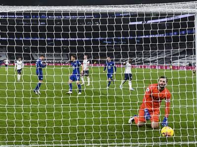 Prekonaný Hugo Lloris po inkasovanom góle z penalty
