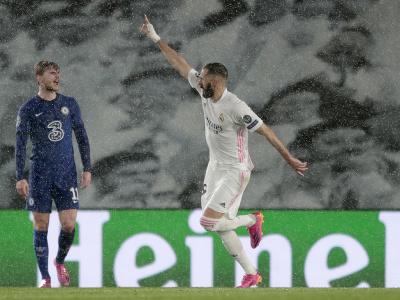 Karim Benzema oslavuje úvodný gól