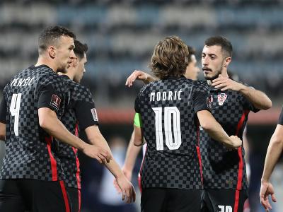 Chorvátski futbalisti sa tešia z gólu