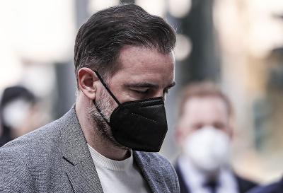 Bývalý nemecký futbalový reprezentant Christoph Metzelder prichádza na súd