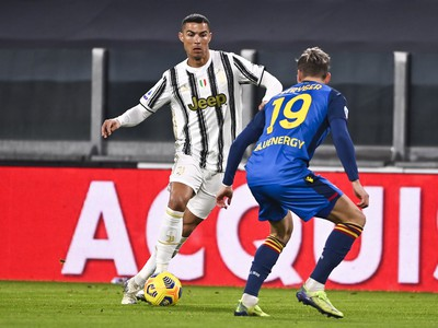 Cristiano Ronaldo a Jens Stryger Larsen