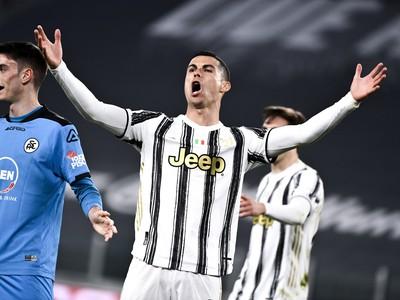 Cristiano Ronaldo vyjadruje nespokojnosť