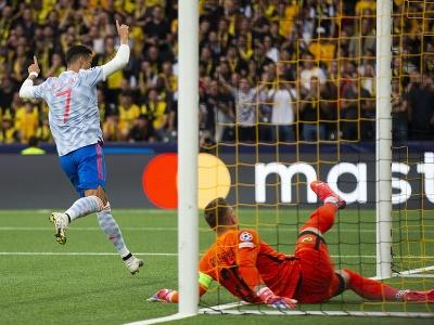 Cristiano Ronaldo sa teší po strelení gólu v  zápase prvého kola F-skupiny Ligy majstrov Young Boys Bern - Manchester United