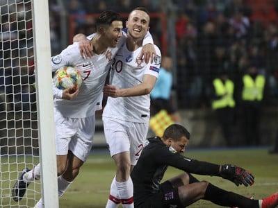 Cristiano Ronaldo a Diego Jota sa radujú z gólu