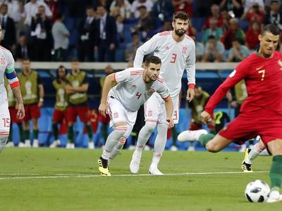 Sergio Ramos, Nacho a Gerard Piqué sledujú pokutový kop Ronalda