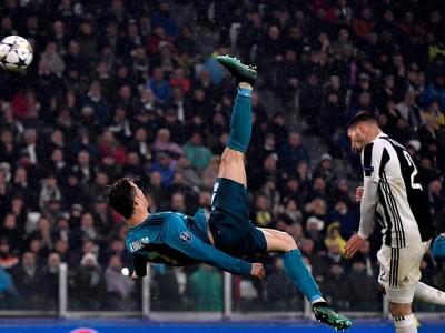 Cristiano Ronaldo predviedol parádne nožničky