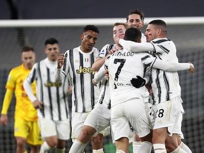 Cristiano Ronaldo a jeho gólové oslavy so spoluhráčmi