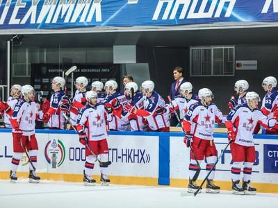 Hráči CSKA oslavujú gól
