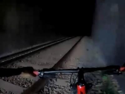 Cyklista riskoval svoj život