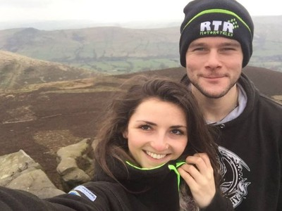 Daniel Hegarty a jeho životná partnerka Lucy Draycottová