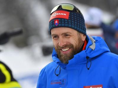 Na snímke tréner slovenských biatlonistiov a Anastasie Kuzminovej Daniel Kuzmin