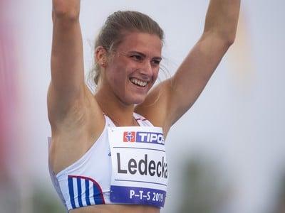 Na snímke slovenská reprezentantka Daniela Ledecká počas súťaže žien v behu cez prekážky na 400 metrov