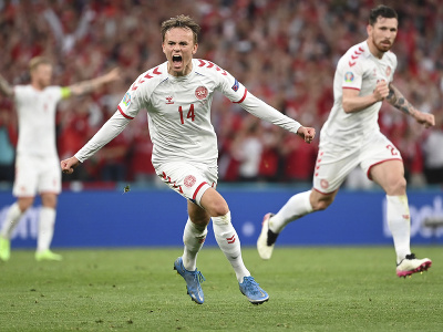 Dánsky futbalista Mikkel Damsgaard sa teší po strelení úvodného gólu