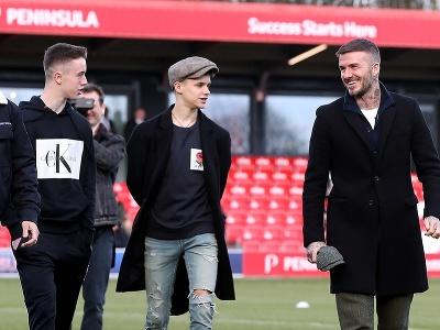Harvey Neville, Romeo Beckham